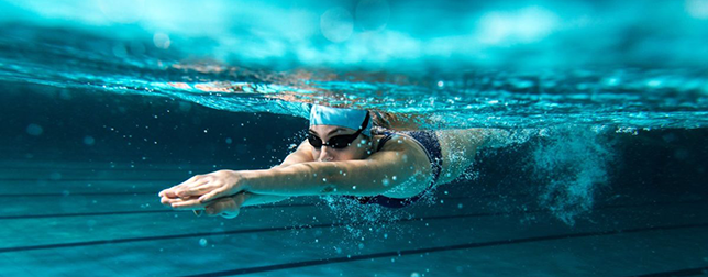 Cosinuss One fitness tracker underwater
