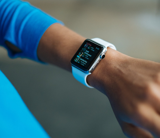 Wrist worn wearables market