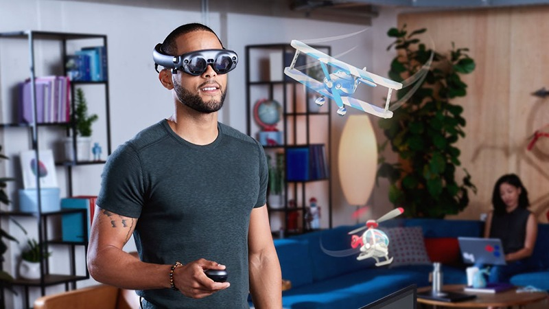 A man wearing Augmented Reality glass