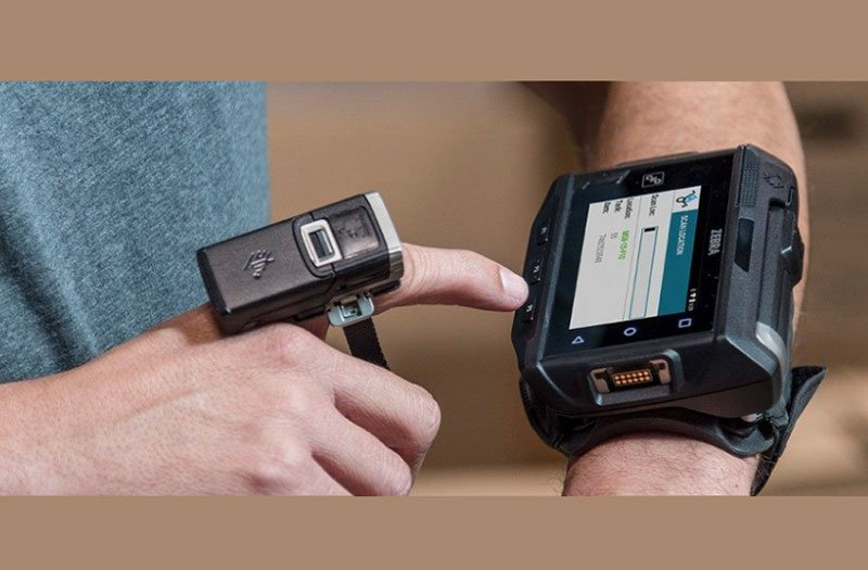 Mobility Solutions and Wearables in Warehouse