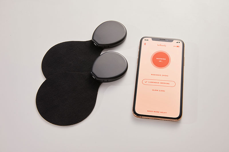 A pair of wearable devices and a mobile phone