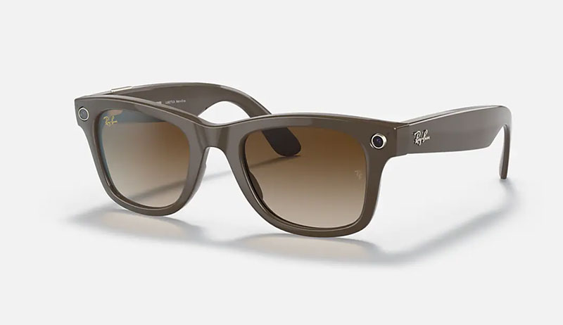 A pair of smart glass